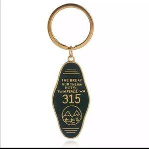 Accessories - Twin Peaks mini metal motel keychain
